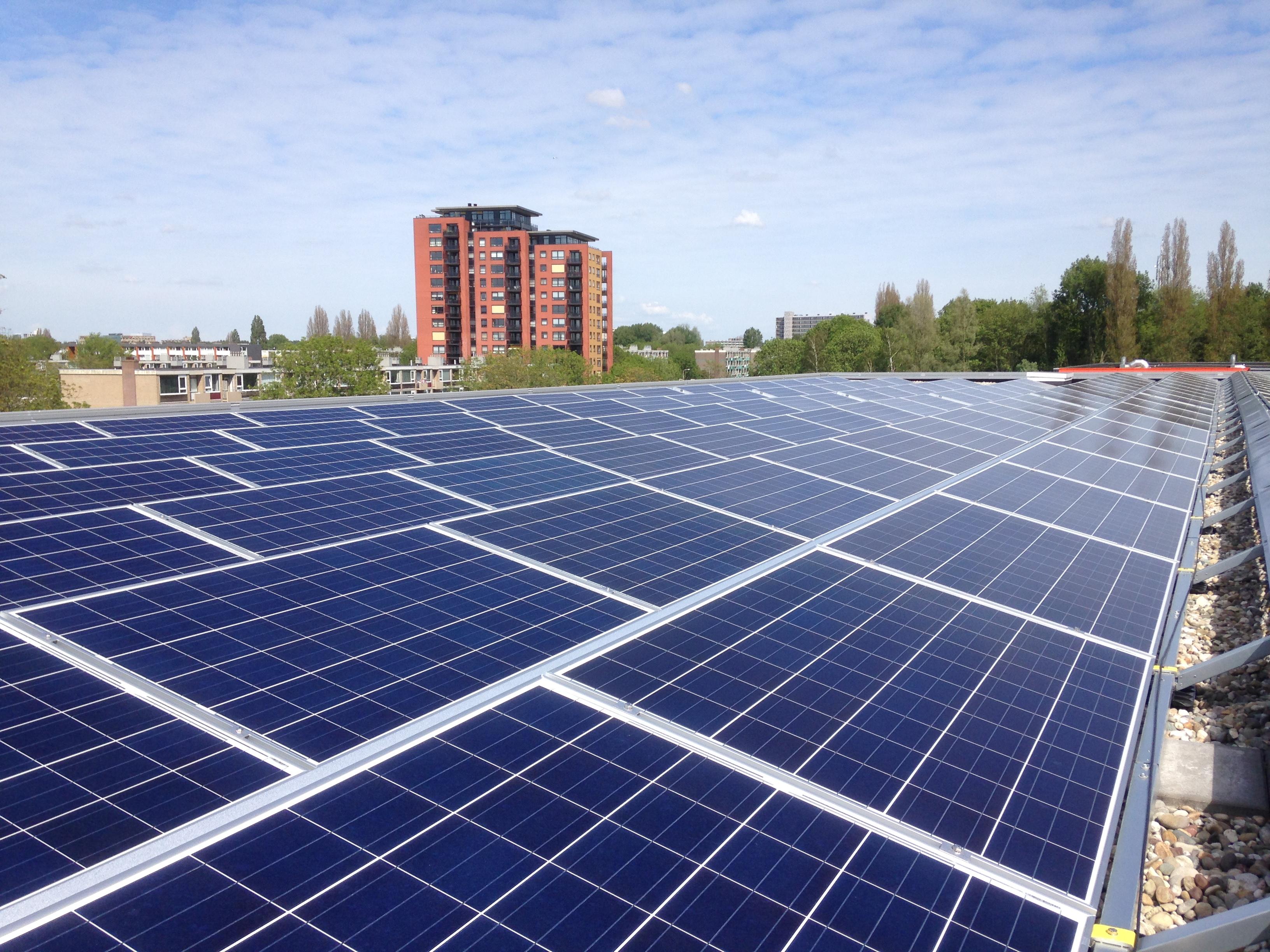 Amstelveen college zonnepanelen / ZonnepanelenDelen