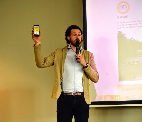 Sven Pluut - ZonnepanelenDelen bij aankondiging samenwerking met gemeente Rotterdam