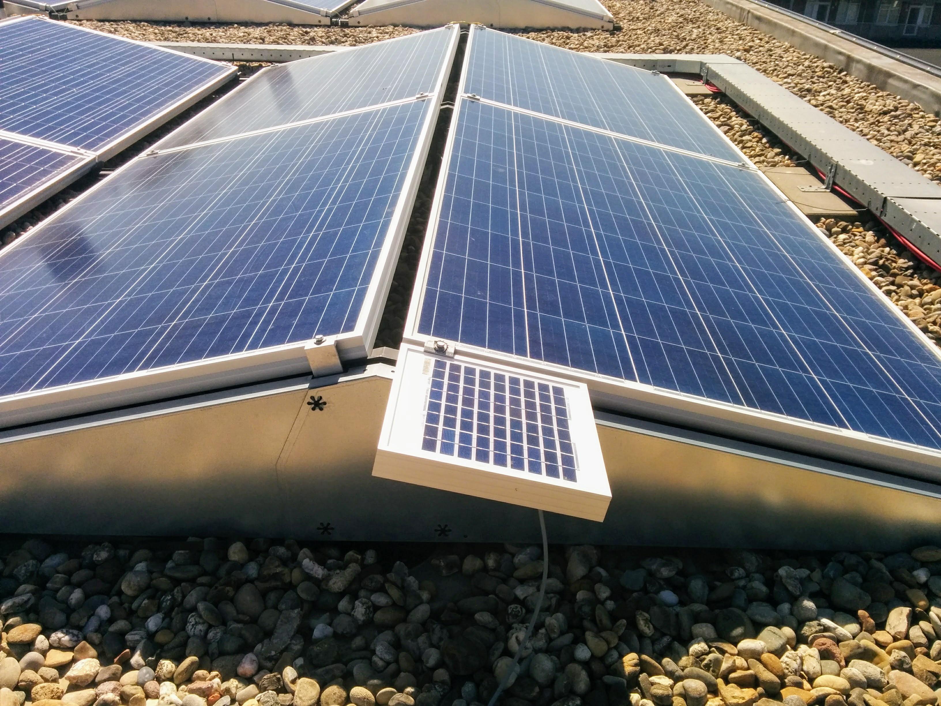 referentie cel voor zonne-energiemonitoring